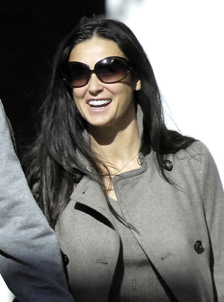 Demi Moore Gets Hot and Heavy with New Boyfriend Harry Morton During a Sexy Night Out!