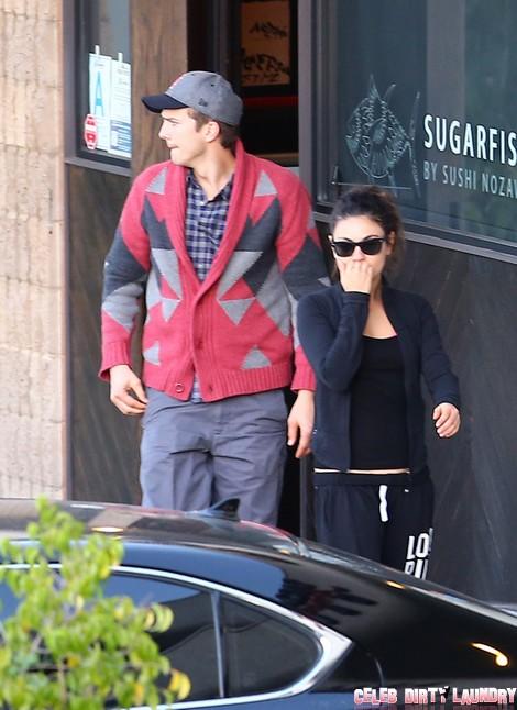 Casual Ashton Kutcher and Mila Kunis Grab Sushi