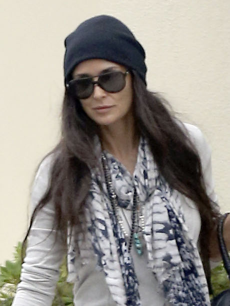 Demi Moore Obsessed with Making Ashton Kutcher Jealous -- But He Could Care Less!