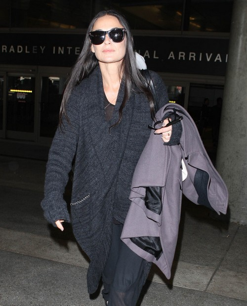 """Demi Moore's Drug Rehab With The Dalai Lama: Ready To """"Welcome"""" Mila Kunis - Report"""