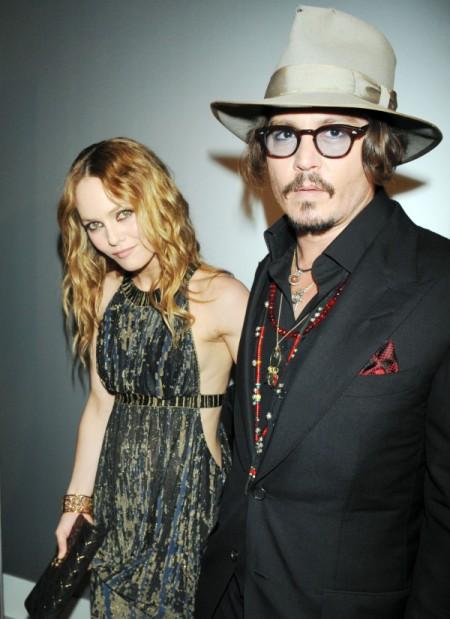 Johnny Depp Obsessed With Amber Heard, Ignoring Vanessa Paradis' Demands 0709