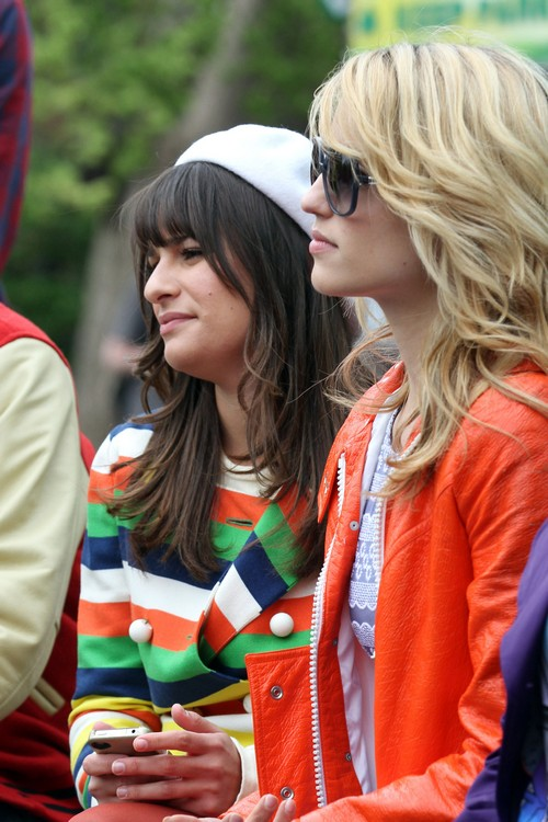 Dianna Agron Returns to Glee - Is Her feud with Lea Michele Over?