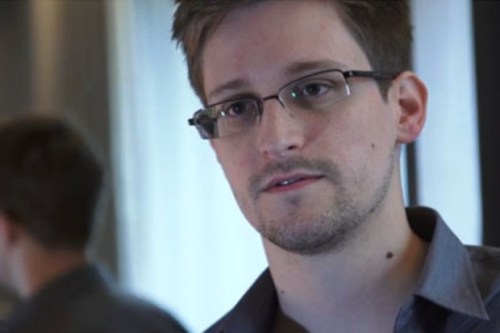 Edward Snowden, Man Responsible for NSA surveillance revelations, Seeks Asylum In Iceland After Running Away From US Government (VIDEO)