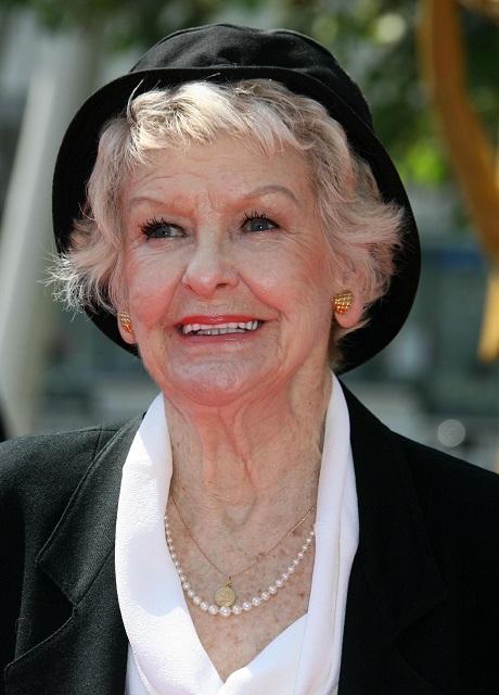 Elaine Stritch, Broadway Legend, Dies At Age 89