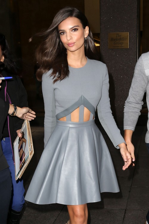 Emily Ratajkowski Gets Sirius In New York Celeb Dirty