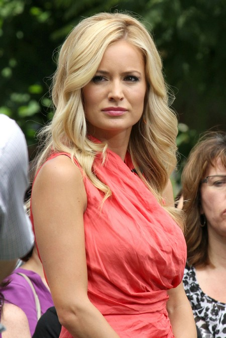 """Emily Maynard Says """"I'm Under No Pressure To Find A Guy"""" But Gets Lots More Plastic Surgery"""