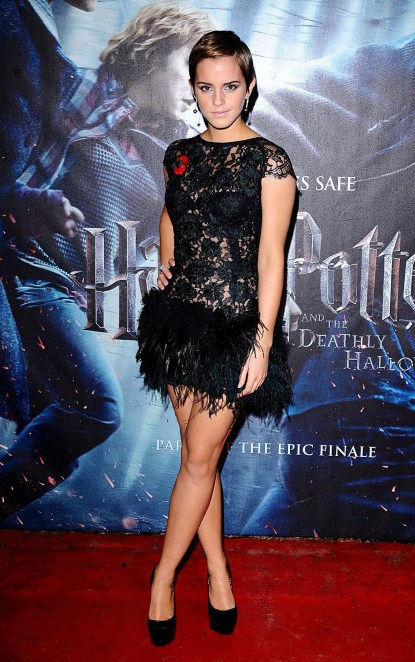 Emma Watson Simply Stunning At The London Premiere Of Harry Potter [Photos]
