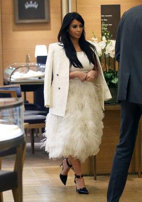 Kim Kardashian and Kanye West Terrify Sarah Michelle Gellar and Freddie Prinze Jr. - So They Move!