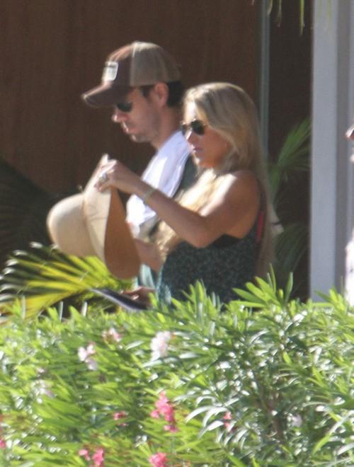 Anna Kournikova And Enrique Iglesias Break Up For Good - Report