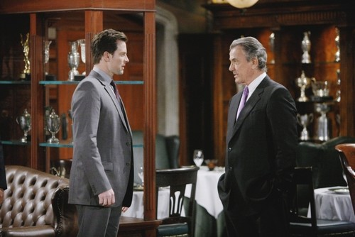 The Young and the Restless Spoilers: Eric Braeden Michael Muhney Twitter Attack - Calls Fan 'You Idiot' (PHOTO)