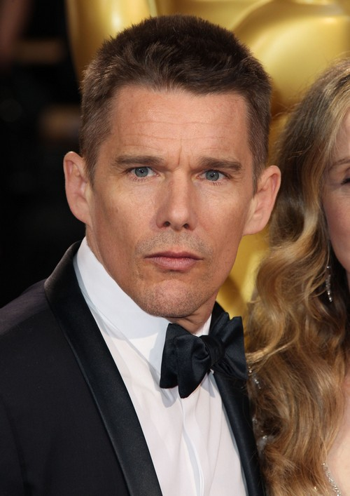 Ethan Hawke Cheating With January Jones: Wife Ryan Worried She's Losing Husband?