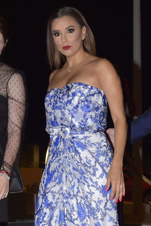 Eva Longoria Pregnant: Actress Shows Off Baby Bump?
