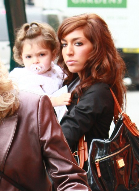 Teen Mom Farrah Abraham's Addicted To Drugs, Says Friend 0806