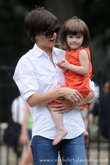 Katie Holmes takes daughter Suri Cruise