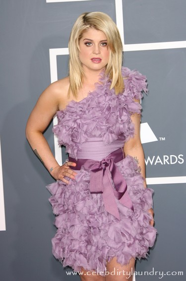 Kelly Osbourne On The Red Carpet At The 2011 Grammy Awards