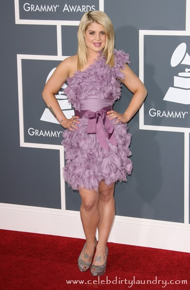 Kelly Osbourne Pretty In Purple On The Red Carpet At The 2011 Grammy Awards