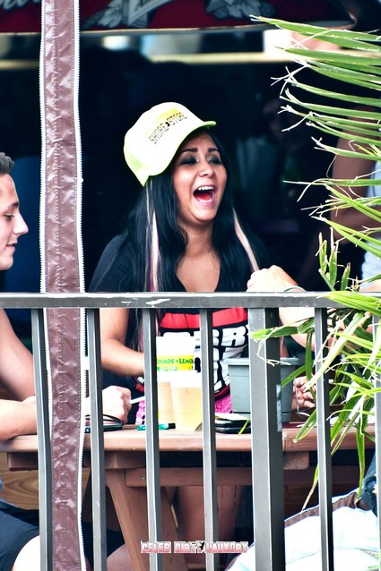 Snooki and Deena Cortese Drinking at EJ's On The Boardwalk - Photos