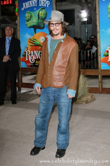 Johnny Depp & Isla Fischer at The LA Premiere of Rango