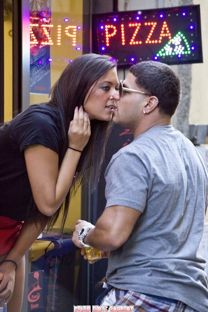 jersey shore season 4 premiere. below for 4 more pictures!