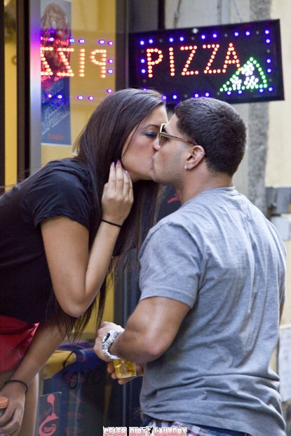 Jersey Shore's Sammi Giancola & Ronnie Ortiz-Magro's Kissing In Italy