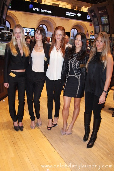 Sports Illustrated Swimsuit Models Ring the Closing Bell at the NYSE - Photos