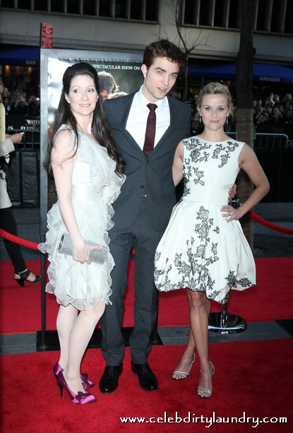 Robert Pattinson & Reese Witherspoon at the World premiere of 'Water For Elephants' - Photos