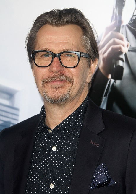 Gary Oldman Defends Alec Baldwin And Mel Gibson's Racist And Homophobic Comments - Says Everyone Says Those Words!