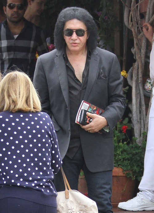 """Gene Simmons """"Stands By His Word"""" That Michael Jackson Was Child Molester"""