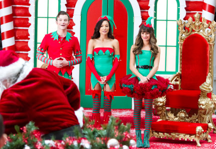 """Glee RECAP 12/5/13: Season 5 Episode 8 """"Previously Unaired Christmas"""""""