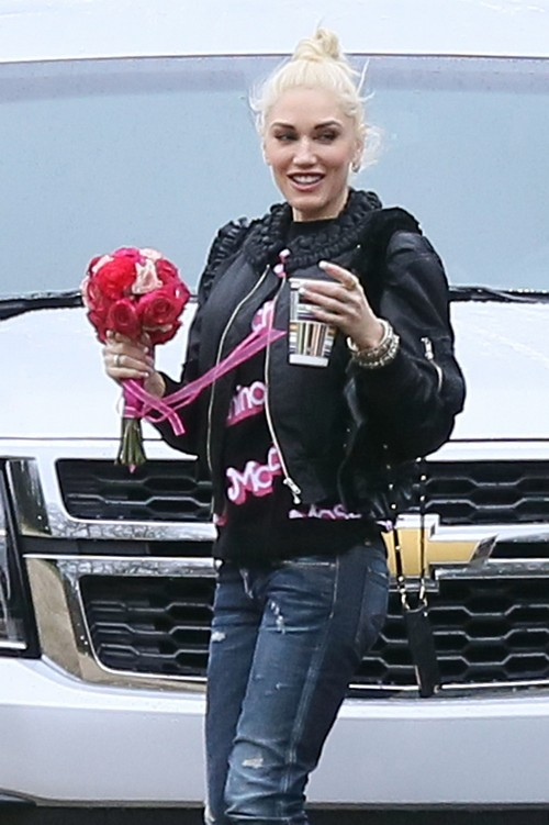 Gwen Stefani Pregnant With Baby Girl: Blake Shelton Thrilled to be a Father - Report