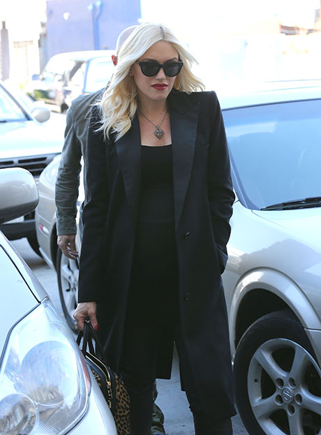 Gwen Stefani Set To Step In For Christina Aguilera As Judge On The Voice Season 7!