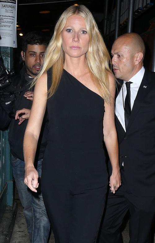 Gwyneth Paltrow, Brad Falchuk Breakup: Gwyn Dumped Via Text Message, Consciously Recoupling With Chris Martin?