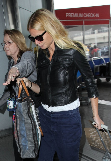 Gwyneth Paltrow Desperate To Reconcile With Chris Martin - The Only Way To Repair Her Crumbling Reputation!