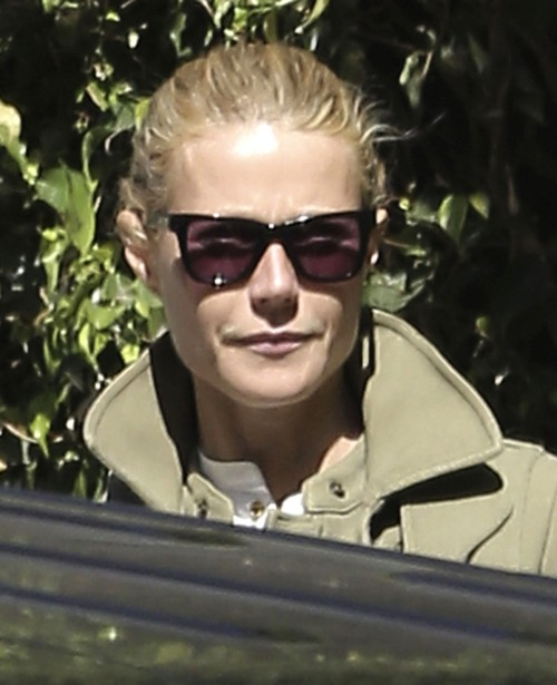 """Gwyneth Paltrow To Date Jake Gyllenhaal, Jared Leto, Mark Salling - Chris Martin Says """"Go For It!"""""""