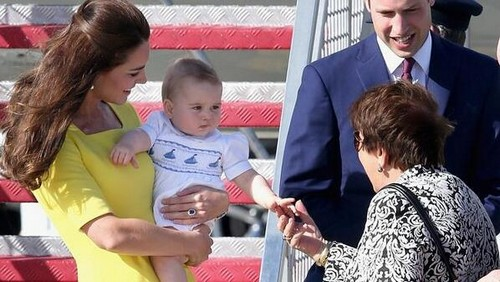 Prince George, Kate Middleton and Prince William NEW PICS in Australia (PHOTOS)
