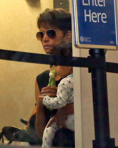 Halle Berry and Olivier Martinez Marriage on the Rocks - Divorce, Split Soon? - 'Extant' Flops - Report (PHOTOS)