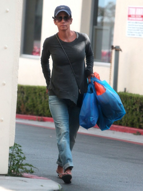 Halle Berry Struggles With Olivier Martinez Relationship - Hiding The Truth About Their Marriage Troubles