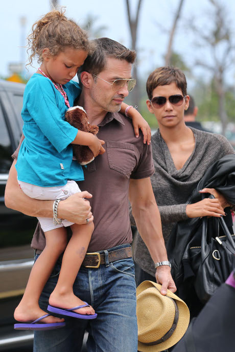 Halle Berry Pregnant with Olivier Martinez's Child - Baby is a Boy!