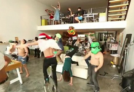 The Harlem Shake Takes the Internet by Storm: Psy's Gangnam Style Already Dead?