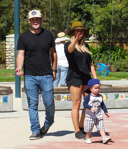 Hilary Duff Moves On With New Boyfriend After Split  With Mike Comrie?