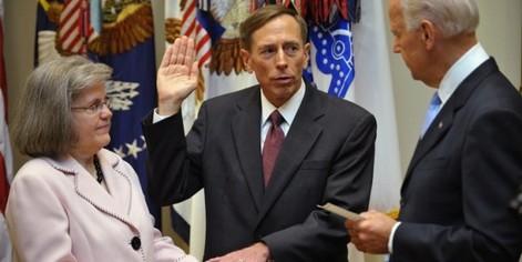 General David Petraeus' Wife Holly To Divorce Over Paula Broadwell
