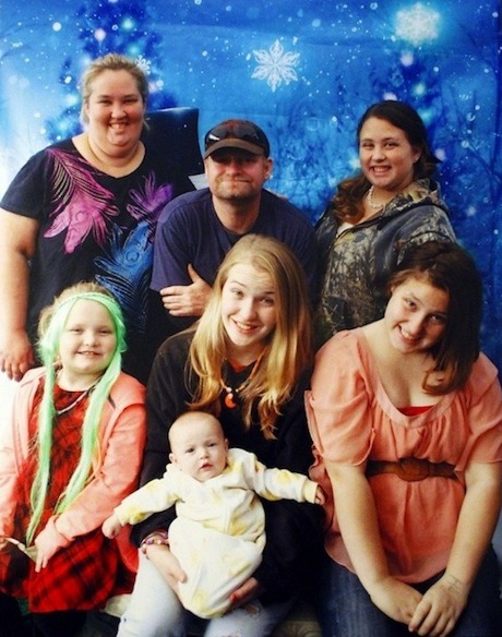 Honey Boo Boo Family Holiday Card vs The Kardashian Family Christmas Card: Which One Fills You With More Holiday Cheer (Poll)?
