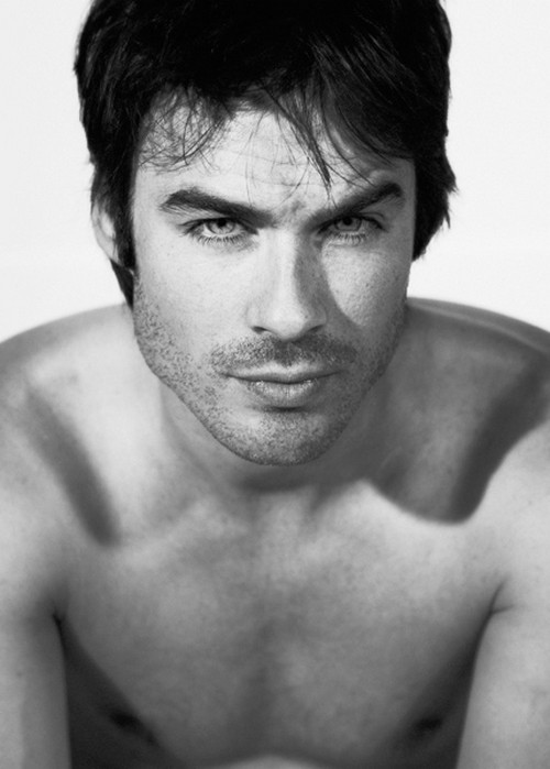 Fifty Shades of Grey Movie Cast Audition: Ian Somerhalder's Undressed Bathtub Photos