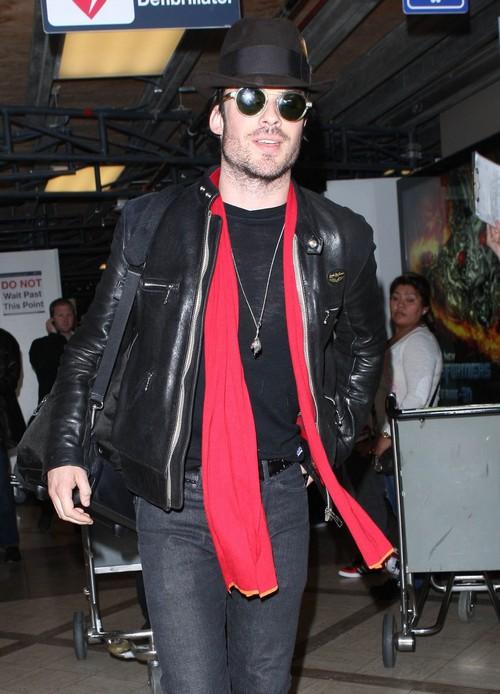 Ian Somerhalder Still Friends With Benefits While Nina Dobrev Dates Liam Hemsworth?