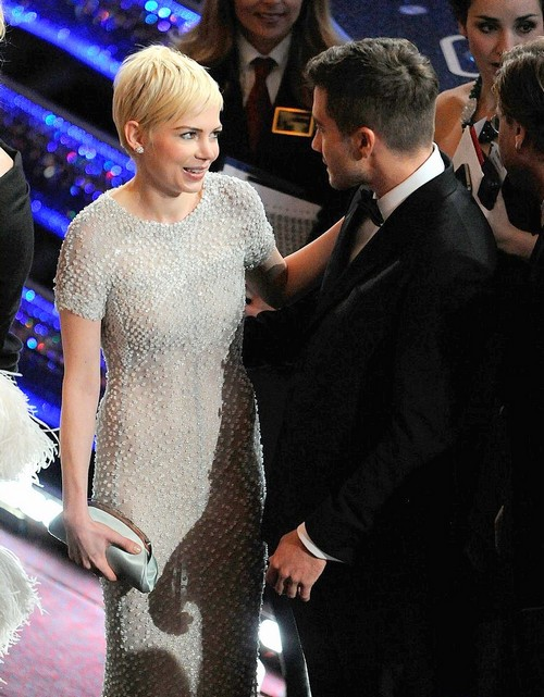 Michelle Williams and Jake Gyllenhaal Hook Up Encouraged by Busy Phillips