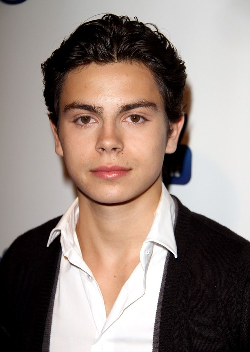 'The Fosters' Jake T. Austin Charged With Hit and Run - Hit 3 Parked Cars!
