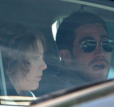 Jake Gyllenhaal & Taylor Swift Call The Cops Over Paparazzi