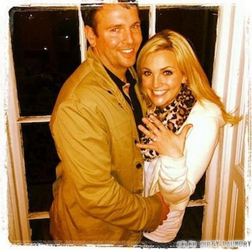 Jamie Lynn Spears Engaged To Jamie Watson - Ring Photo Here!