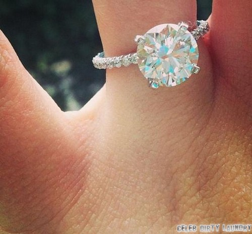 Jamie Lynn Spears Engaged To Jamie Watson - Ring Photo Here!