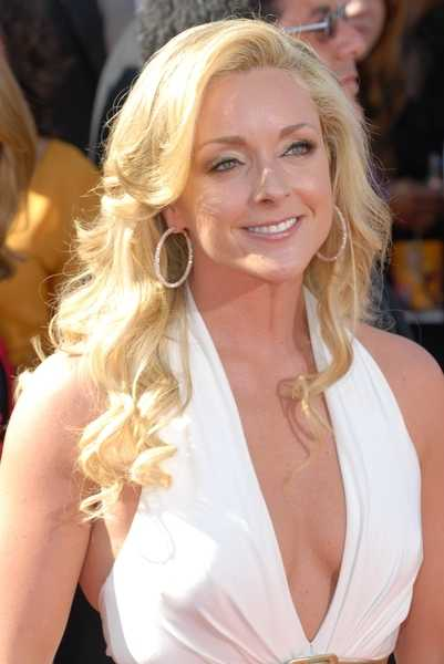 30 Rock star Jane Krakowski Confirms She Is Pregnant
